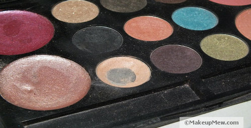 Use a peachy eyeshadow color