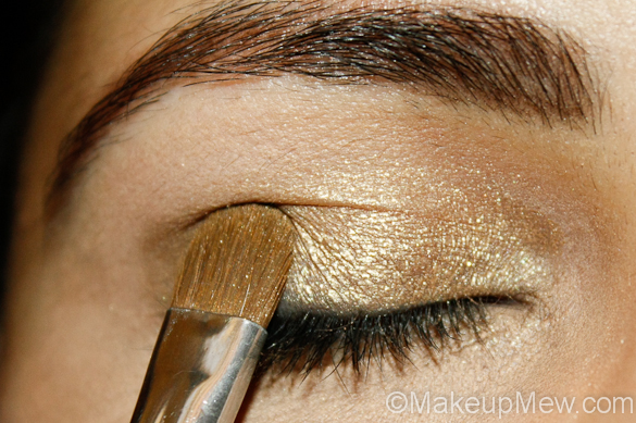 Makeup Tutorial of Gold and Green Cut Crease