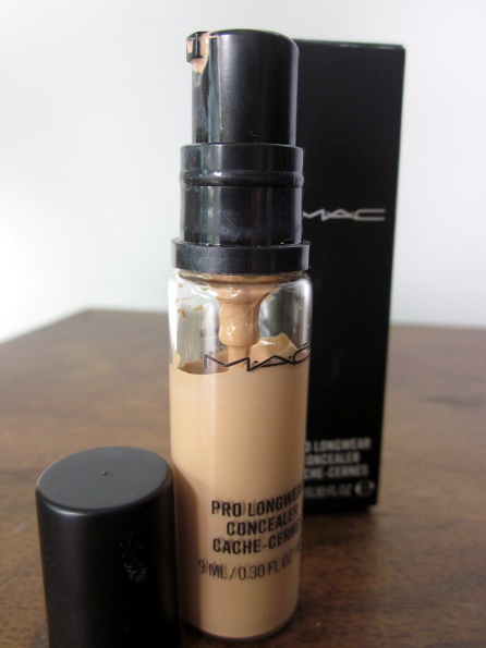MAC Pr Longwear Concealer Review 1