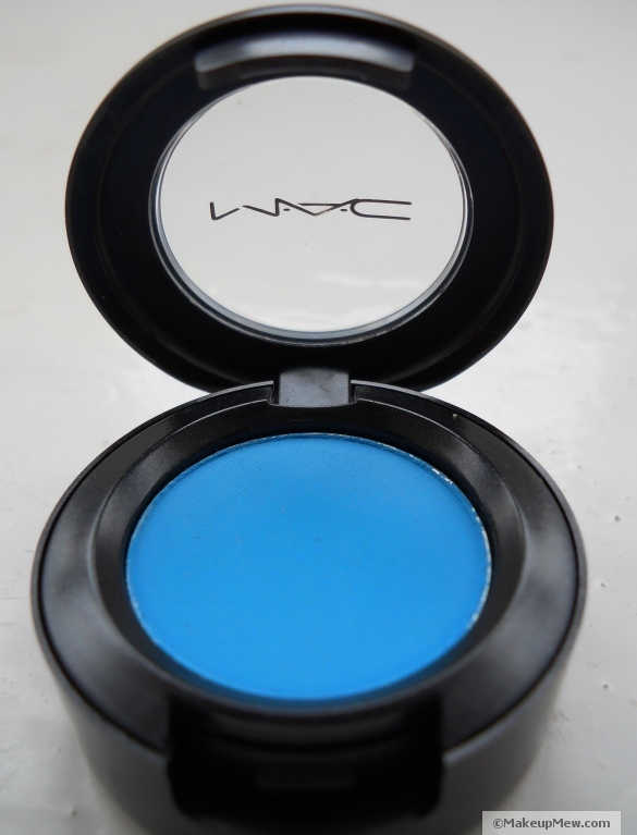 Close up of Mac Matte Eye Shadow in Zingy