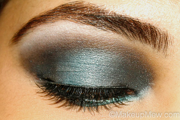 Smokey teal eye makeup