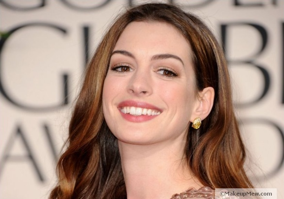 Image of natural beauty Anne Hathaway